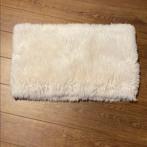 NWOT Le chateau furry infinity scarf